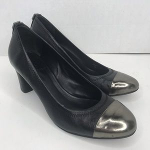 Tory Burch black and silver toe leather heels Sz 6